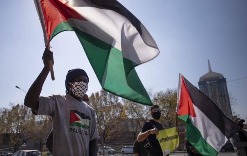 مسيرة حاشدة في غزة رفضاً لخطة الضم الإسرائيلية. (إي بي أيه)