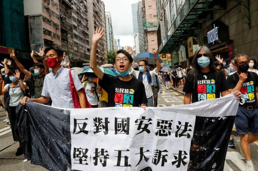 مؤيدو الديمقراطية في هونج كونج. (رويترز)