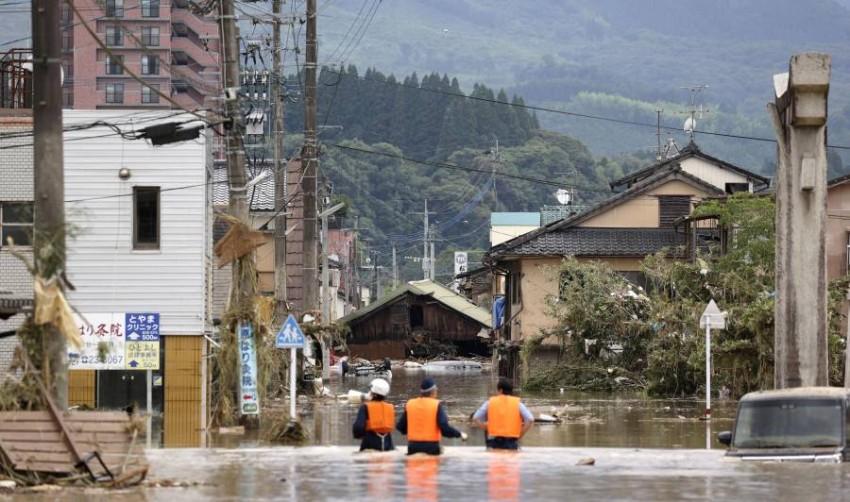 الفيضانات غمرت قرى. (رويترز)