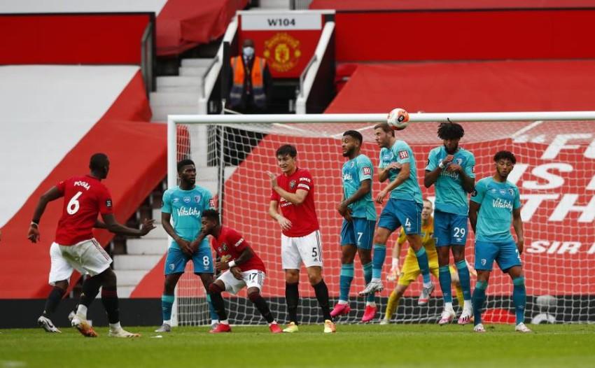 لقطة من مباراة مانشستر يونايتد وبورنموث. (رويترز)