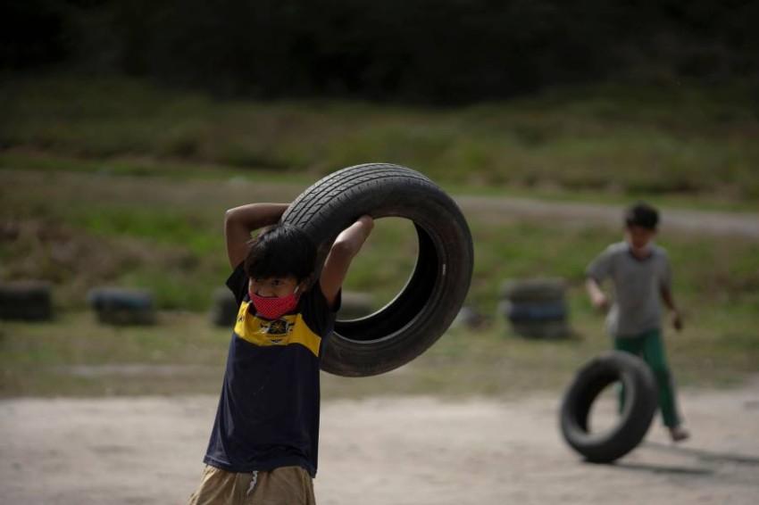 عشرات الملايين في أمريكا اللاتينية مهددون بالفقر بسبب كورونا. (أ ف ب)