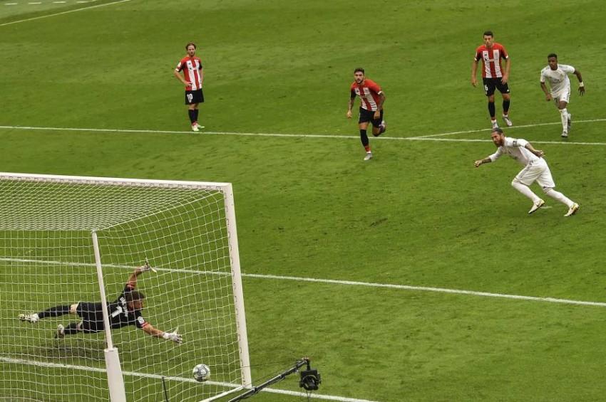 راموس يسجل هدف فوز ريال مدريد من ركلة جزاء. (أ ب)