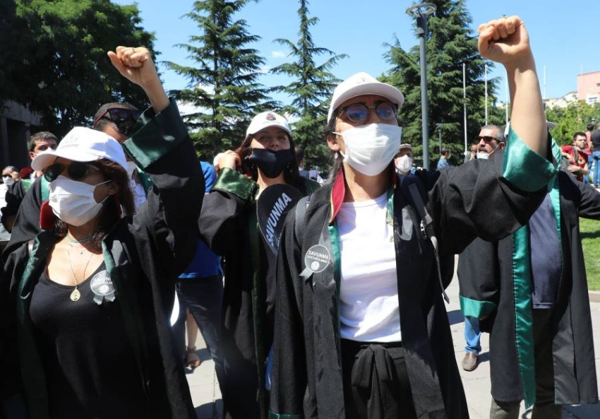 جانب من احتجاجات المحامين في أنقرة. (أ ف ب)