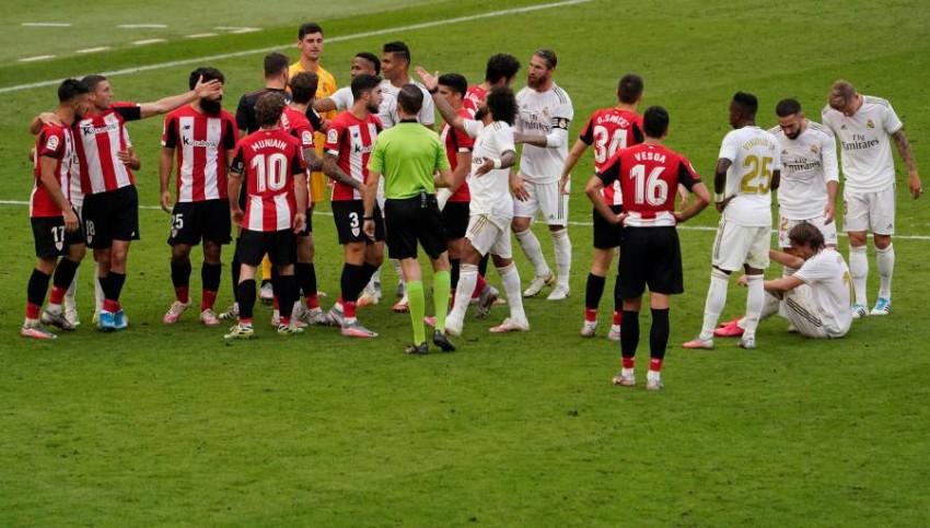 المباراة شهدت احتجاجات من جهة بلباو على ركلة الجزاء التي احتسبت للريال. (رويترز)