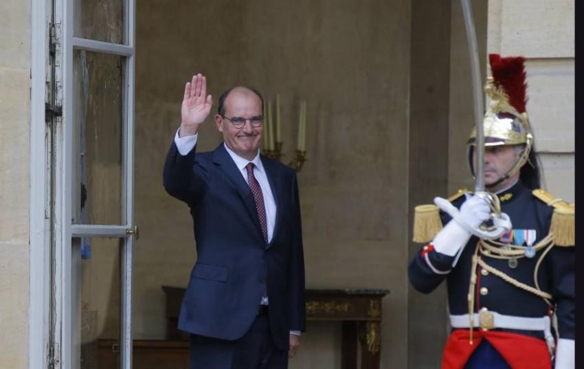 فرنسا تعلن غداً تشكيلة الحكومة الجديدة. (أ ب )