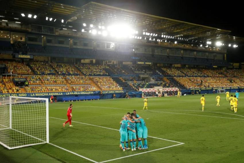 من مباراة برشلونة وفياريال في الليغا. (REUTERS)