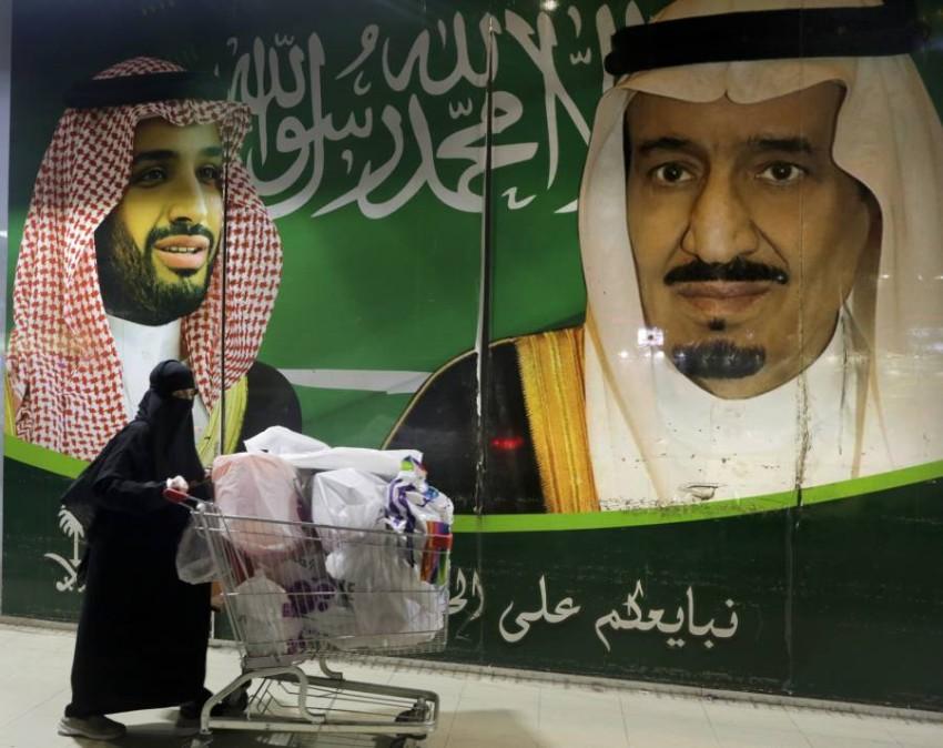 السعودية تسجل وفيات وإصابات جديدة بكورونا. (أ ب)