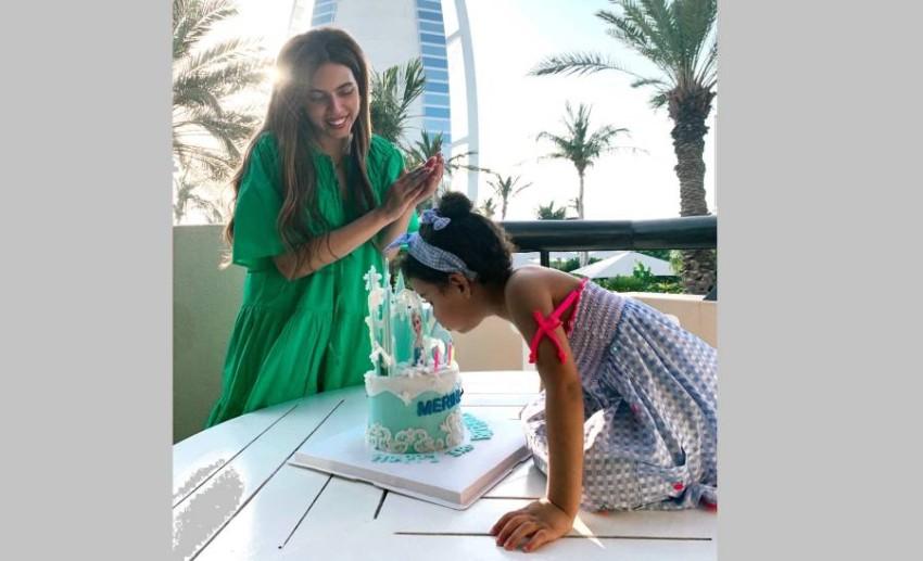 ميريهان حبيب خلال احتفالها بعيد ميلاد ابنتها.