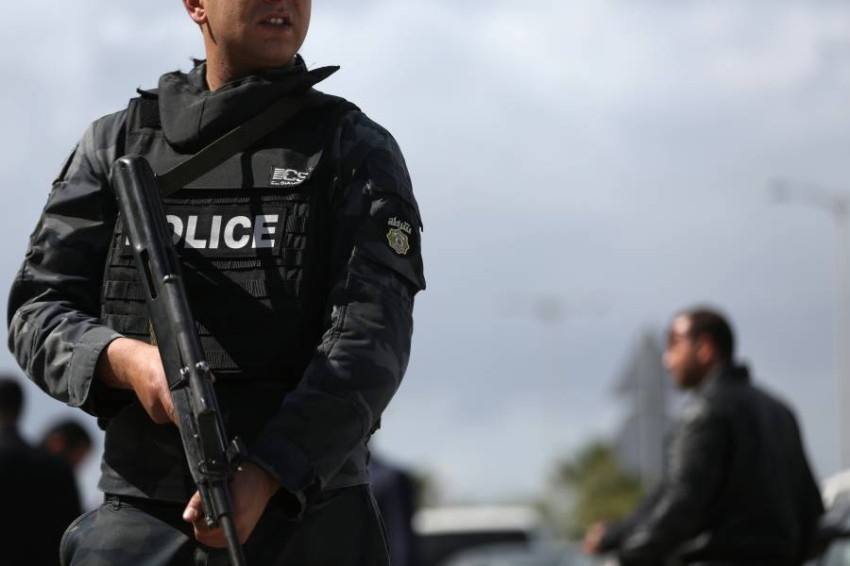تونس تحبط مخططات إرهابية تستهدف السياحة ومقرات سيادية. (رويترز)