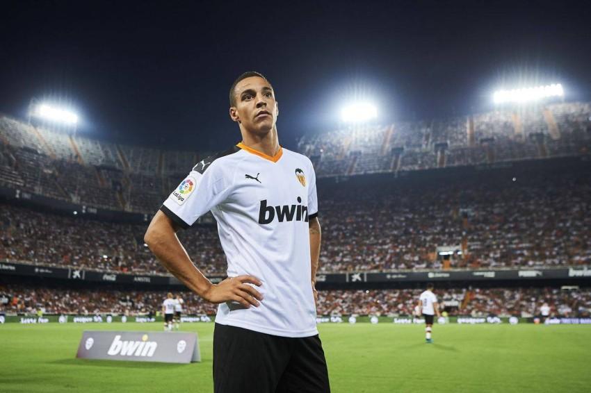 لاعب فالنسيا رودريغو مورينيو. (رويترز)