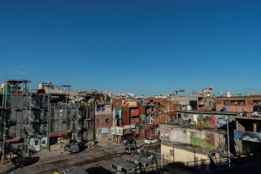 الأمم المتحدة: كورونا قد يدفع 45 مليوناً بأمريكا اللاتينية إلى خط الفقر. (رويترز)