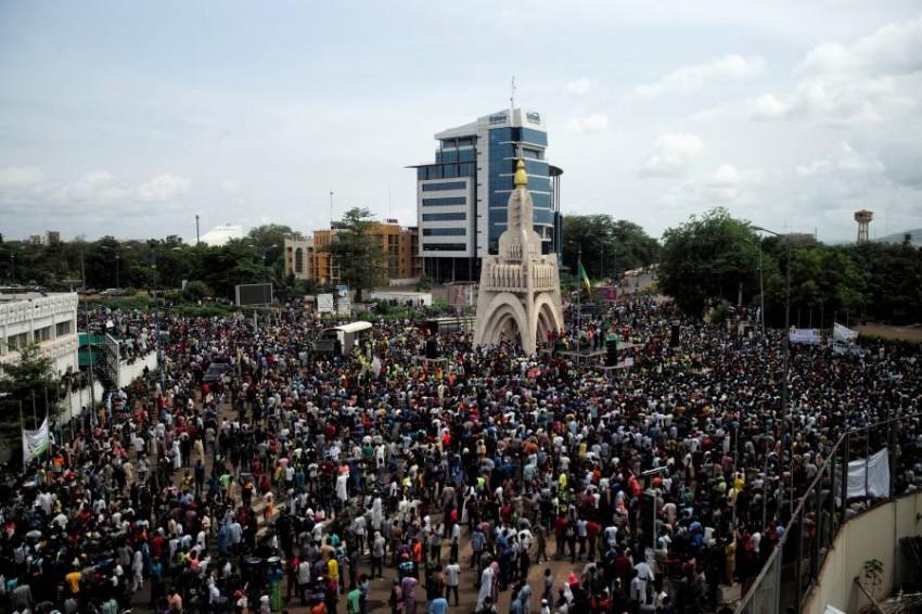 احتجاجات مناهضة للرئيس. (رويترز)