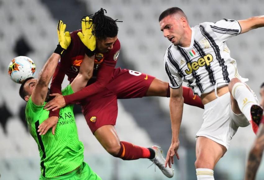 لقطة من مباراة روما ويوفنتوس. (رويترز)