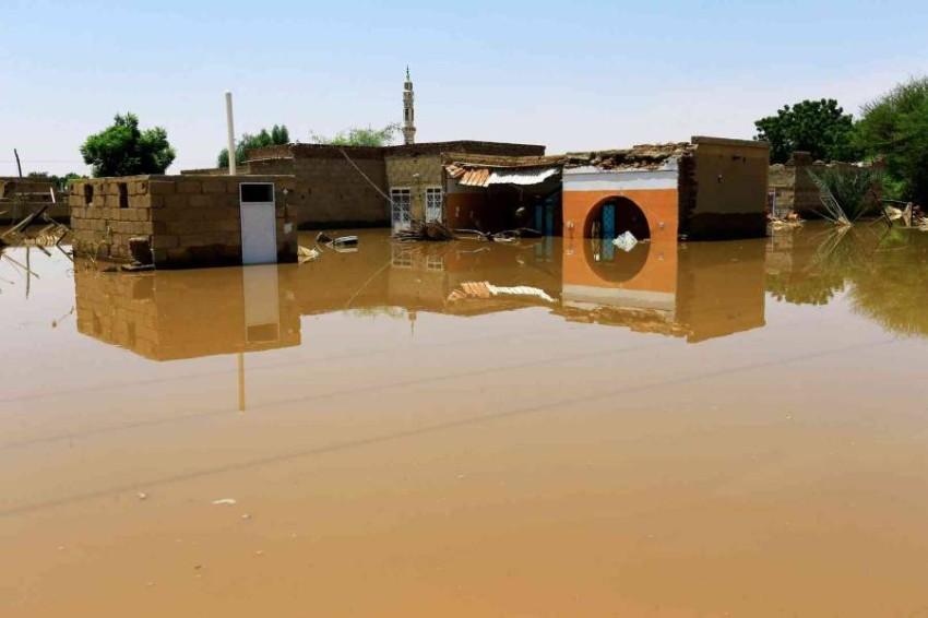 المياه تغمر منازل في السودان بعد انهيار سد بوط. (من المصدر)