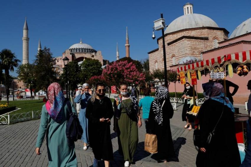الانفاق العسكري لأردوغان يثقل كاهل الأتراك. (رويترز)