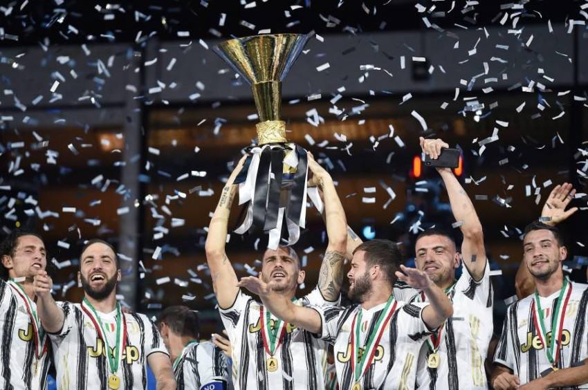 من تتويج يوفنتو سبلقب الدوري الإيطالي ( EPA )