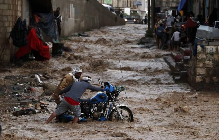 اليمن يطالب الأمم المتحدة بإغاثة متضرري السيول. (إي بي أيه)
