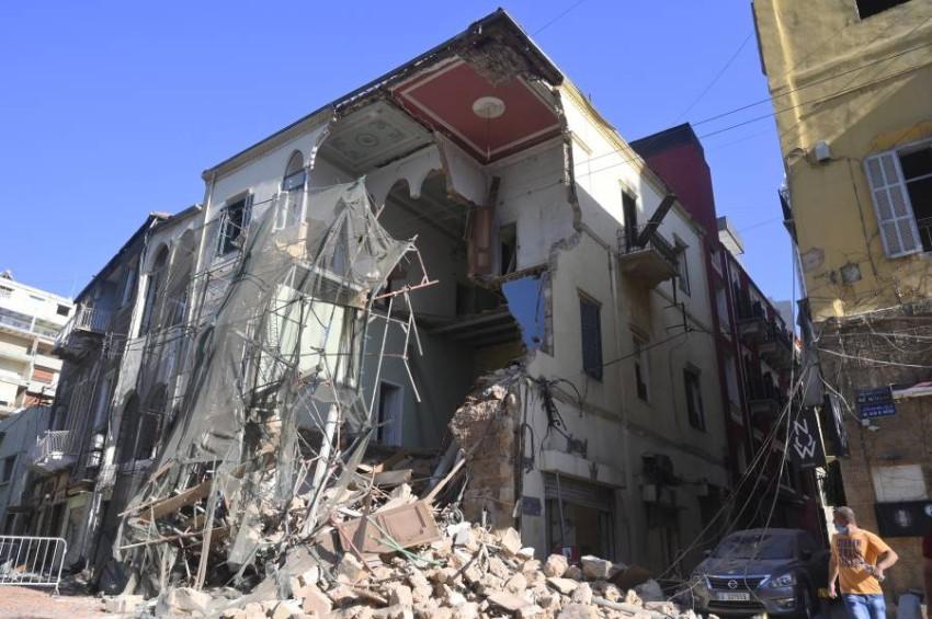 منازل مدمَّرة جراء انفجار بيروت. (إي بي أيه)