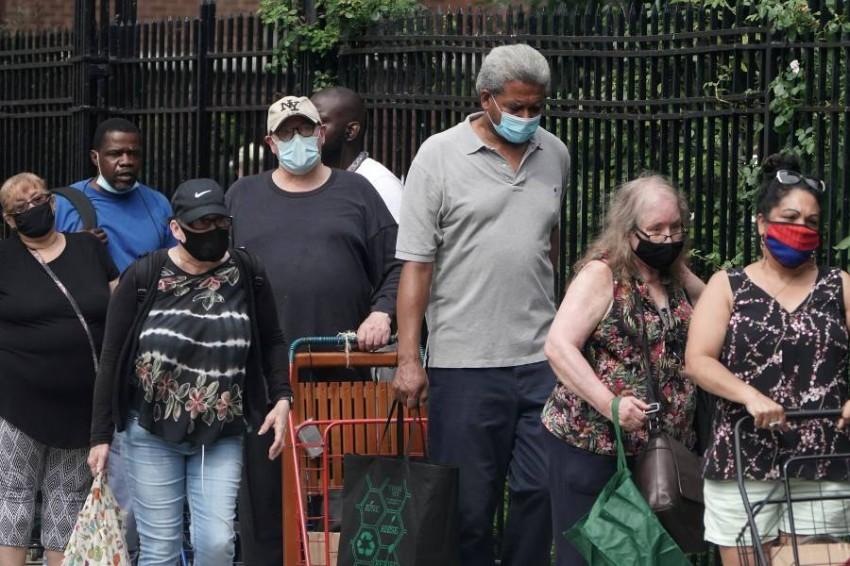 أمريكا تُسجِّل نحو 50 ألف إصابة بكورونا في 24 ساعة. (رويترز)