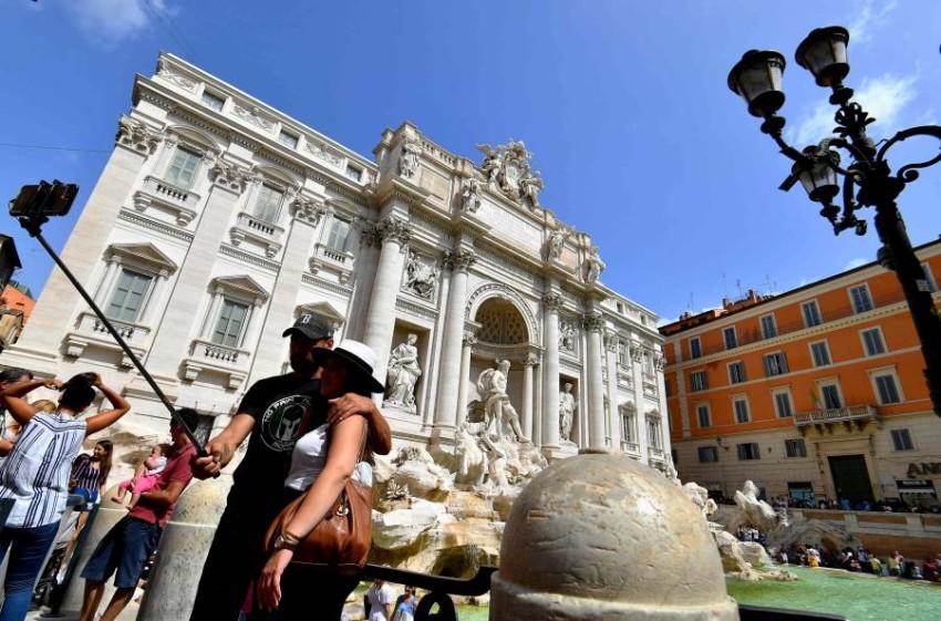 السياحة ضمن أكثر القطاعات تضرراً من أزمة كورونا في إيطاليا. (أ ف ب)