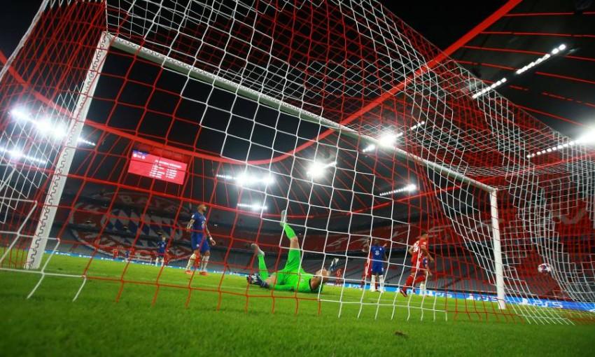 توليسو يسجل الهدف الثالث لبايرن. (رويترز)