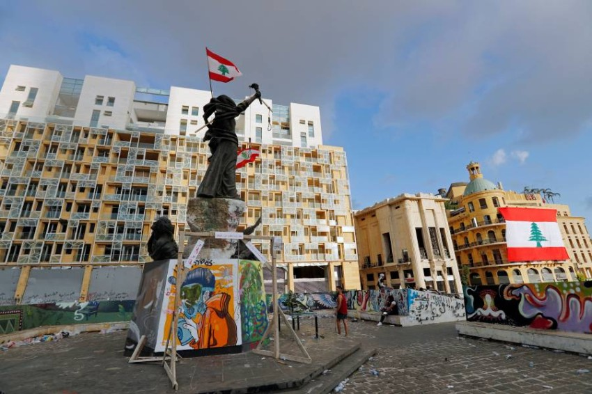 Martyrs' Monument is pictured in Martyrs' Square where protests are held following Tuesday's blast in Beirut, Lebanon August 9, 2020. REUTERS/Thaier Al-Sudani