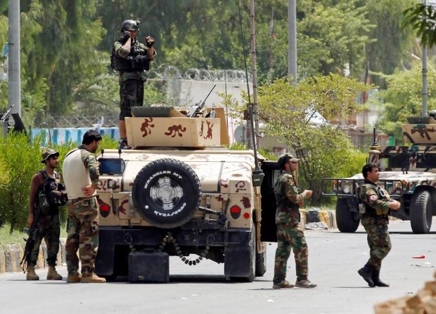قوات أمن أفغانية في جلال أباد. (رويترز)