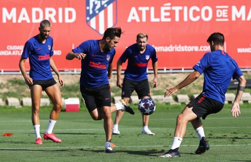صورة من تدريبات أتلتيكو مدريد. (إ ب أ)