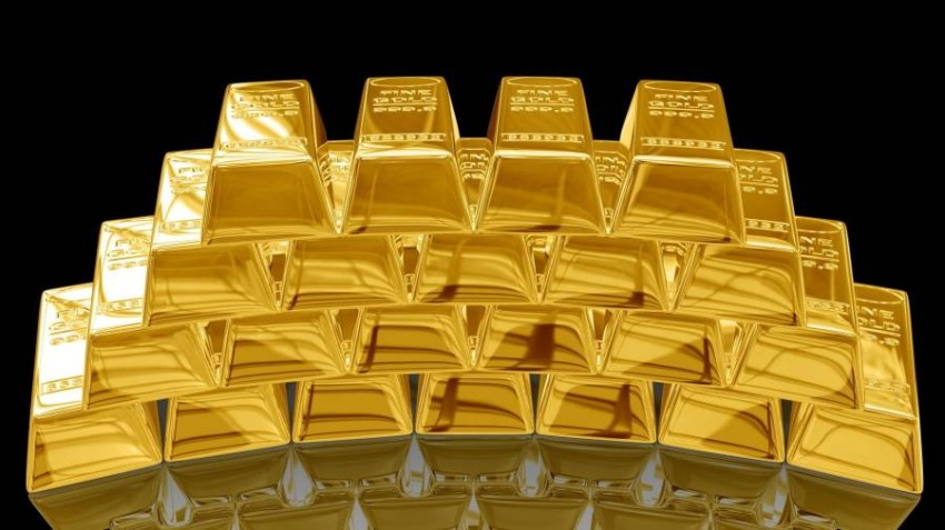 الذهب يتراجع دون 1900 دولار.