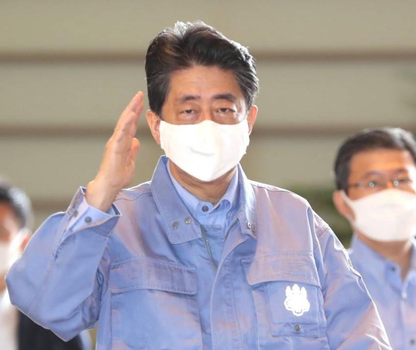 الحزب الحاكم في اليابان يحدد سباق القيادة بعد استقالة شينزو آبي - رويترز