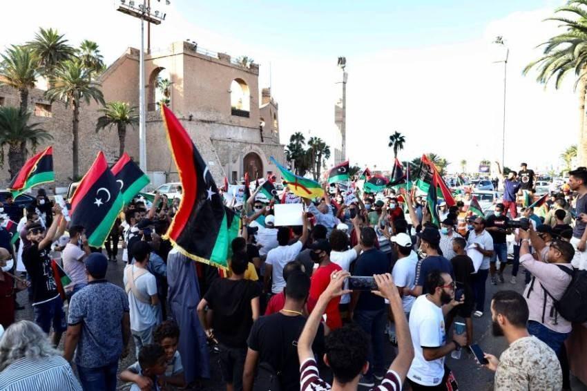 تسببت الحرب الأهلية التي تعانيها ليبيا منذ عام 2011 في دمار واسع بالبلاد - ارشيفية