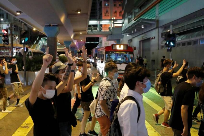 مؤيدون للديمقراطية يحتجون في هونغ كونغ. (رويترز)