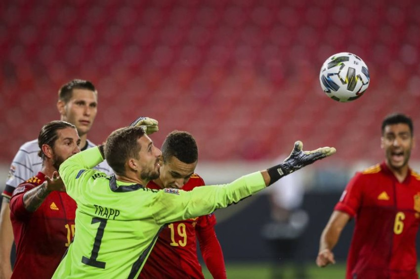 من مباراة إسبانيا وألمانيا. (AP)