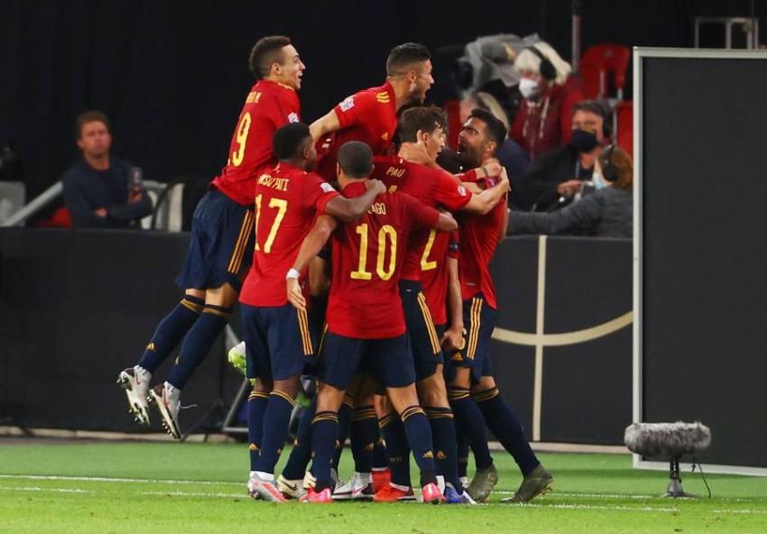فرحة إسبانيا بهدف في مرمى ألمانيا. (REUTERS)