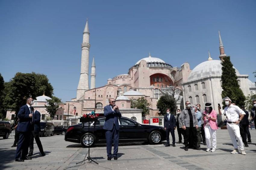 يسعى أردوغان جاهداً على وجه الخصوص ليمشي على خطى السلطان سليم الأول - رويترز