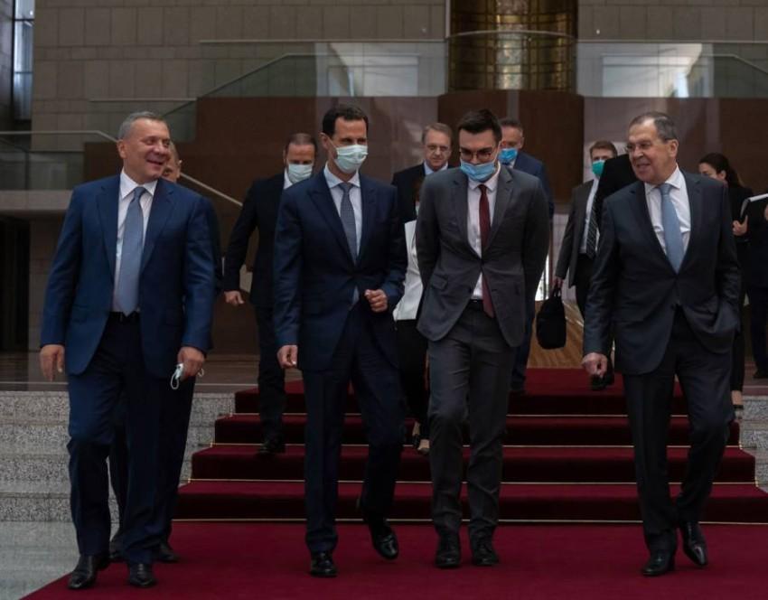 الأسد مستقبلاً وفداً روسياً في دمشق. (سانا)