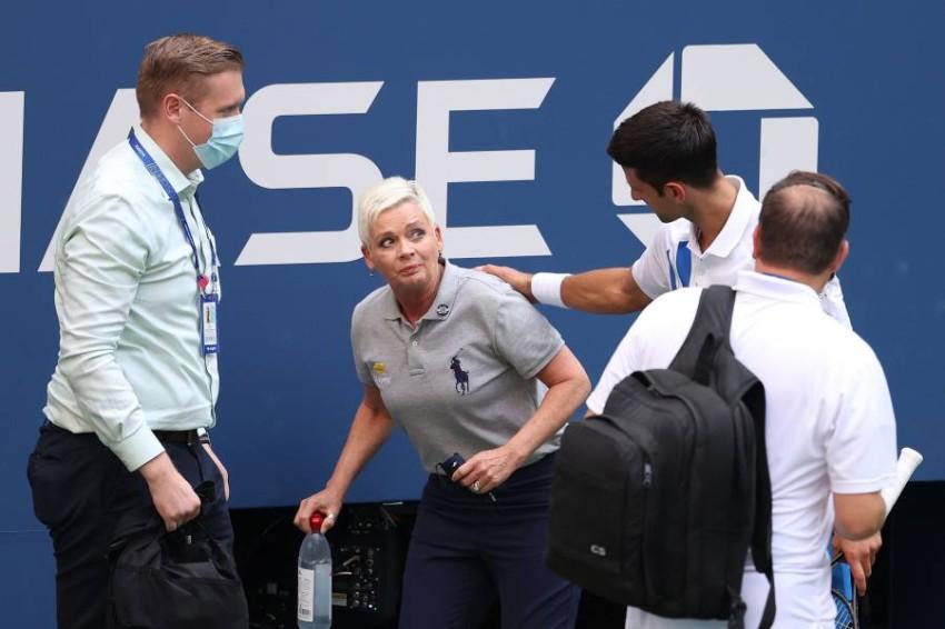 ديوكوفيتش وحكمة التنس في فلاشينغ ميدوز. (AFP)