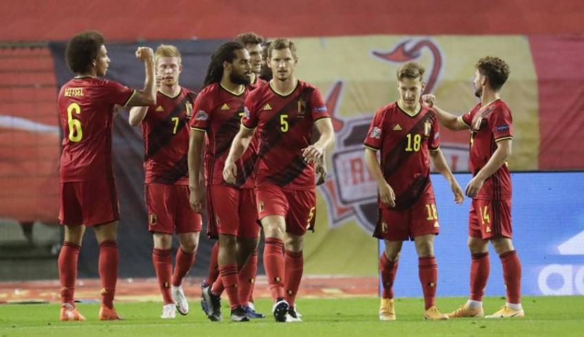 فرحة لاعبي بلجيكا. (إ ب أ)