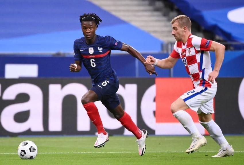 كامافينغا في مباراة بلاده فرنسا ضد السويد. (AFP)