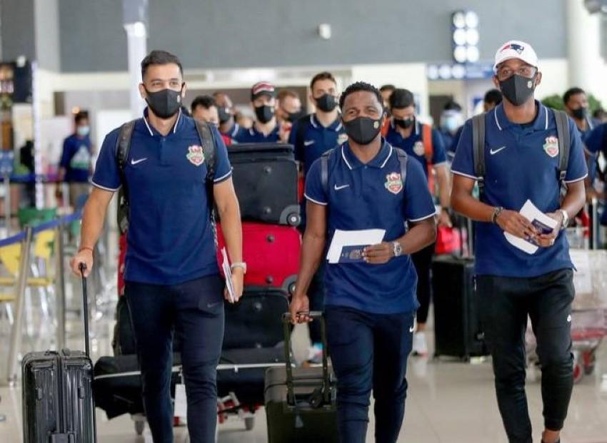 شباب الأهلي غادر اليوم الخميس إلى الدوحة. (من المصدر)
