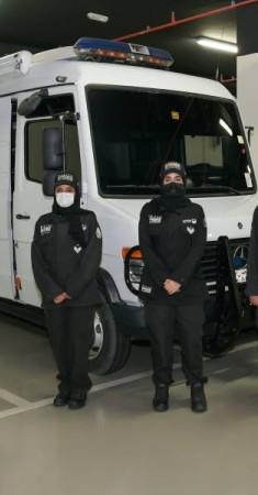شرطة دبي تؤسس أول فريق نسائي متخصص في التفتيشات إبطال المتفجرات. (من المصدر)
