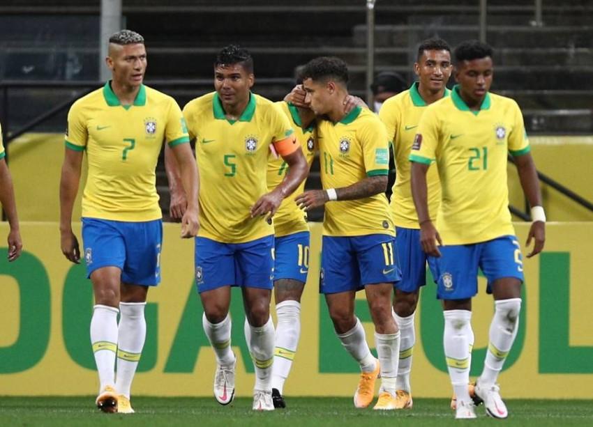 فرحة برازيلية بالفوز. (إي بي أيه)