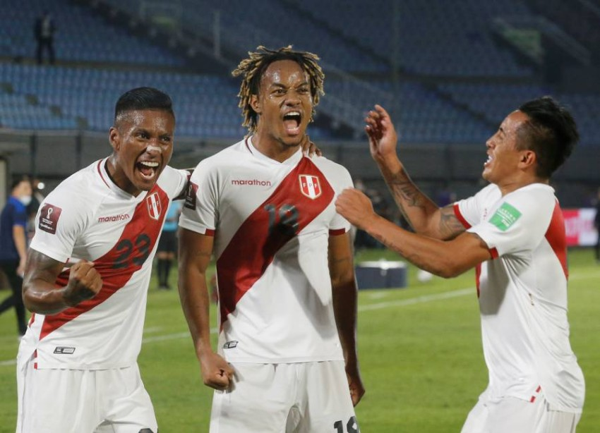 من مباراة بيرو وباراغواي. (REUTERS)