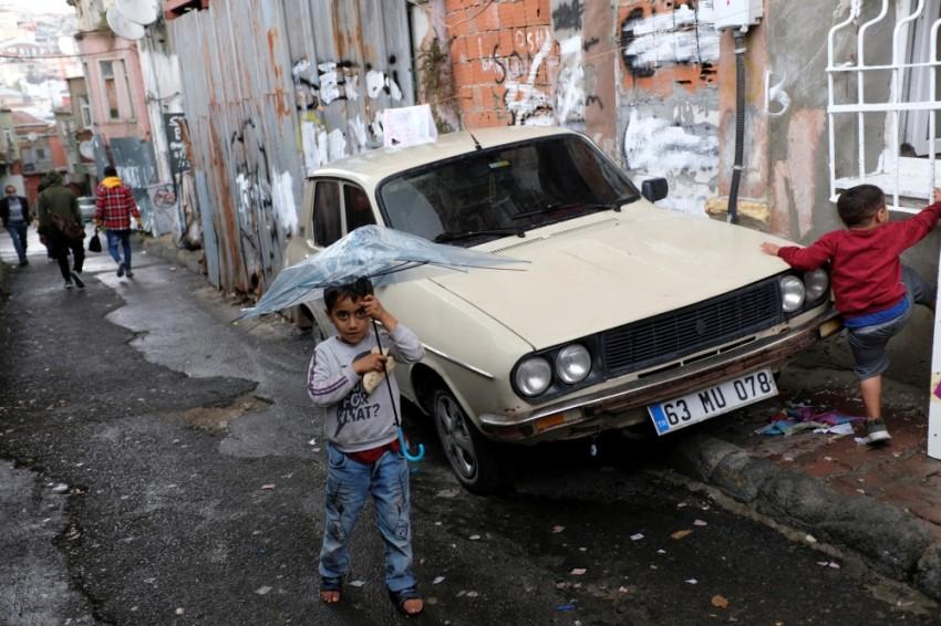 أحياء فقيرة للاجئين السوريين في تركيا. (رويترز)