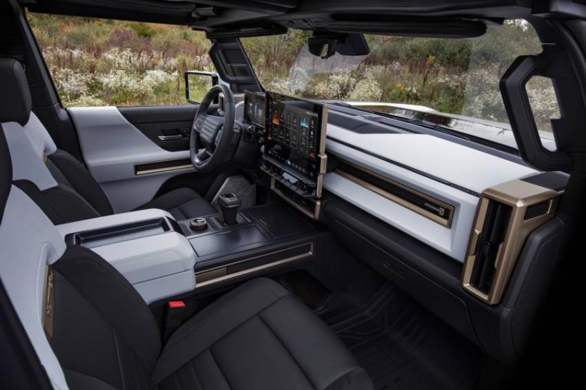 2022-GMC-Hummer-EV-14