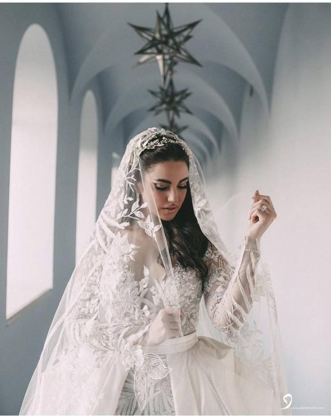 درة بفستان زفافها