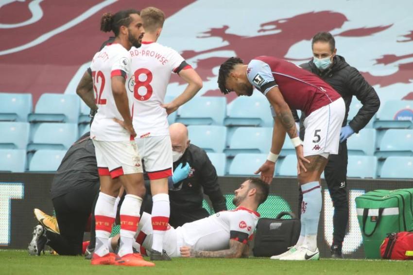 داني إنغز مصاب على أرض الملعب. (أ ف ب)