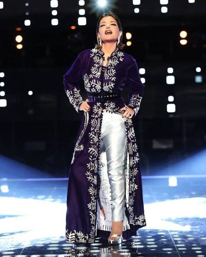 سميرة سعيد بقفطان من تصميم آمال زاهر
