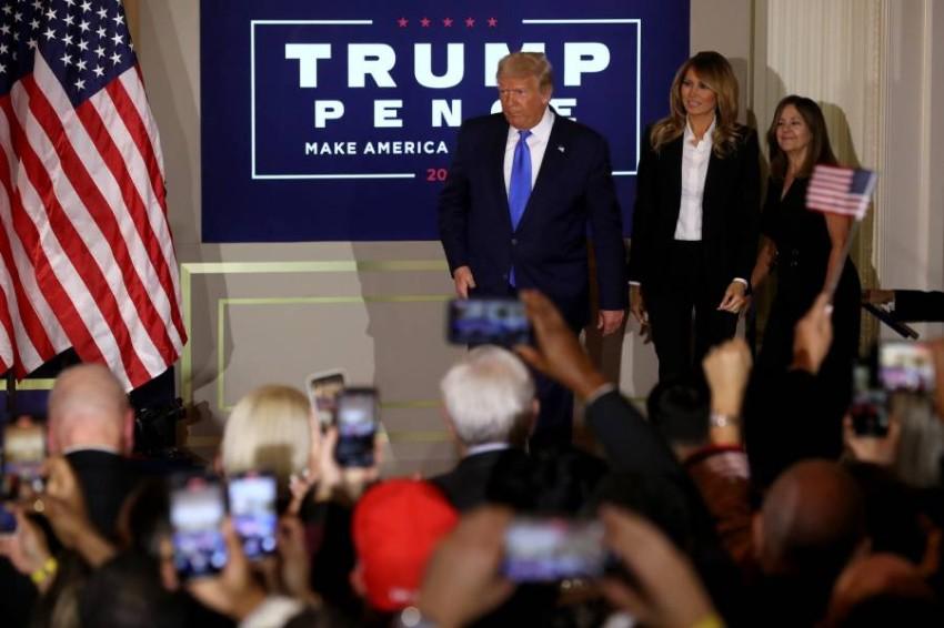 ميلانيا ترامب مع دونالد ترامب
