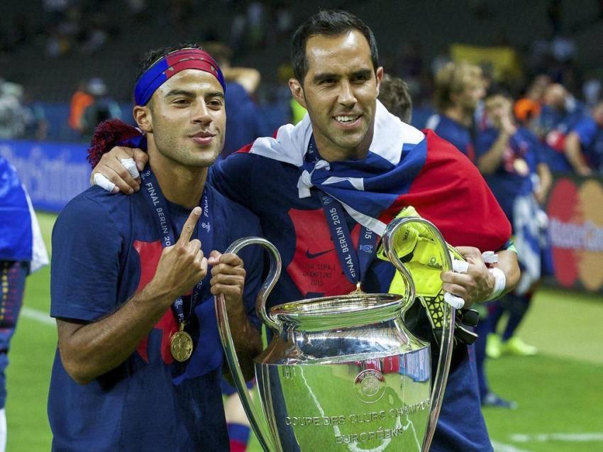 كلاوديو برافو بطلاً لدوري أبطال أوروبا 2015. (غيتي)